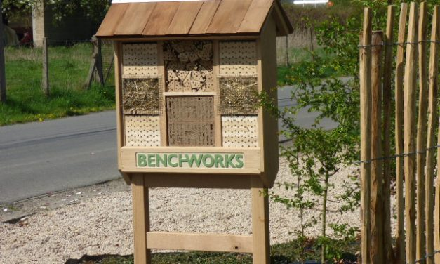 Insect hotel/shop sign